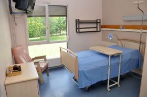 CHU-Amiens-Picardie_chambre-maison-de-retraite-Centre-St-Victor_Denis-Wardzala